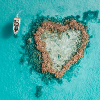 Heart Reef and the Heart Island Boat close by